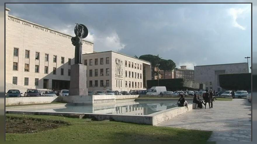 Cattedra Sapienza, Conte rinuncia