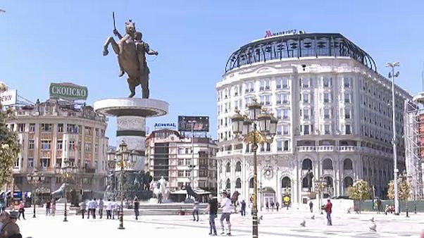 Σκόπια: Πυρετός στα δύο επιτελεία λίγο πριν από το δημοψήφισμα