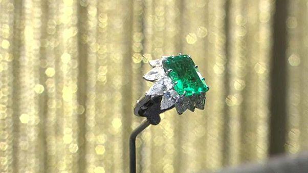 Ρωσία: Εντυπωσιάζουν τα κοσμήματα της Ελίζαμπεθ Τέιλορ