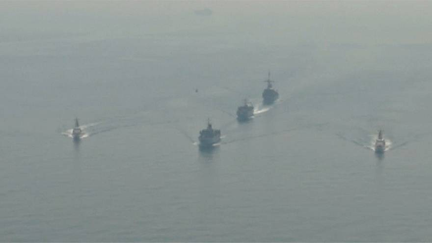 مناورات أميركية-بريطانية في مياه الخليج