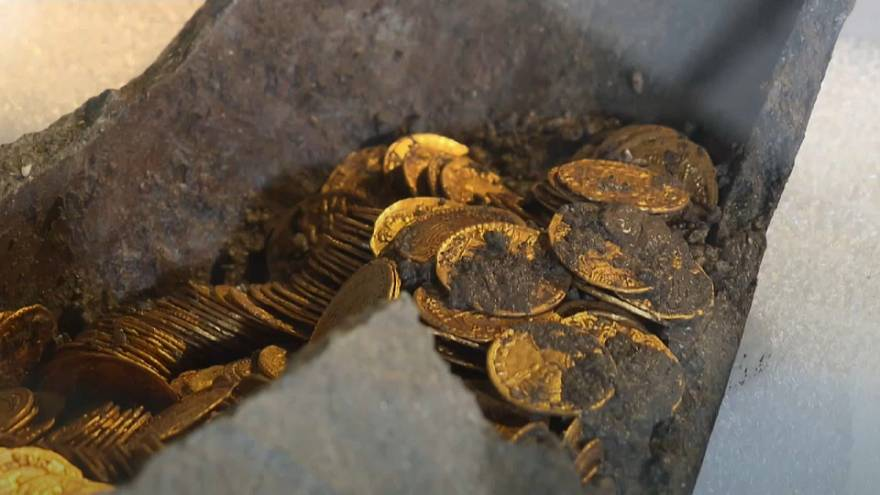 Ancient Roman coins found in Como dig