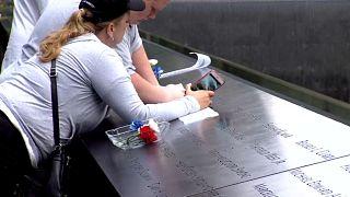 شاهد : الأمريكيون يحييون ذكرى أحداث 11 سبتمبر