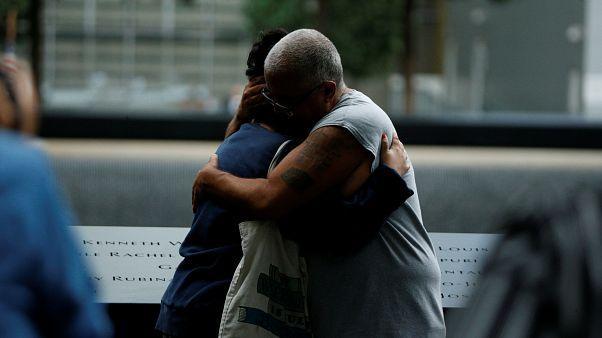 17 Jahre danach: Tausende gedenken der Opfer von 9/11