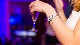 Nach Treffen in Bar: Mann kontaktiert 250 Nicoles