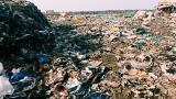 """فيديو: أمطار بيروت تحمّل نهر الغدير """"مواكب"""" النفايات"""
