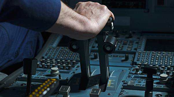 طيار يأخذ قيلولة على متن رحلة من الولايات المتحدة إلى اسكتلندا