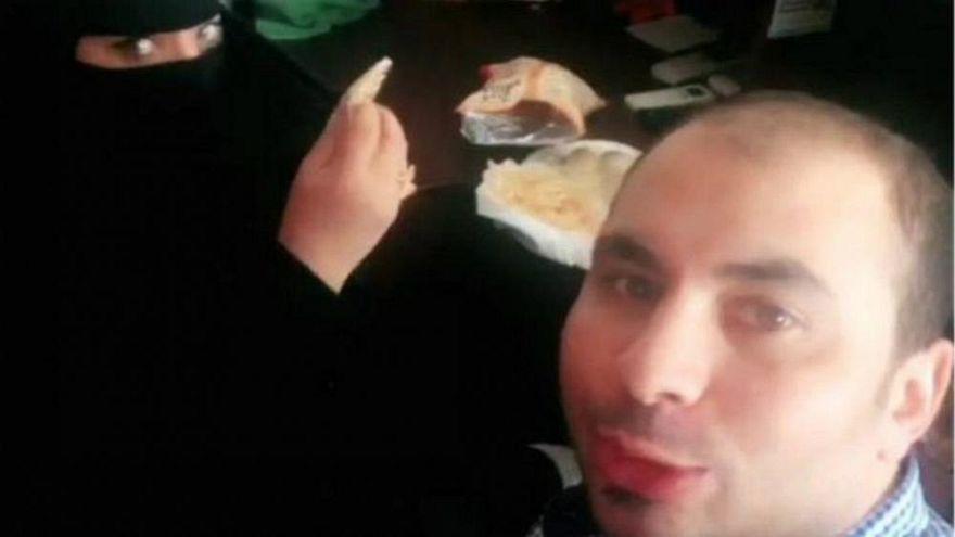 Un hombre arrestado en Arabia Saudí por desayunar con una compañera de trabajo