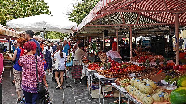 دراسة: فرنسي من كلّ خمسة فرنسيين غير قادر على تأمين ثلاث وجبات يومياً