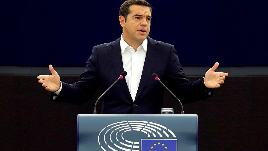 Tsipras discursa no Parlamento Europeu
