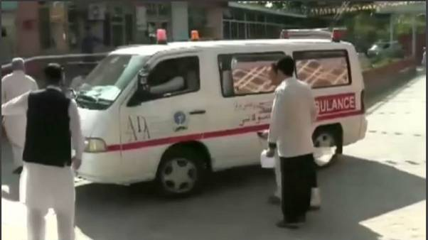 Afghanistan, 32 morti in attacco suicida