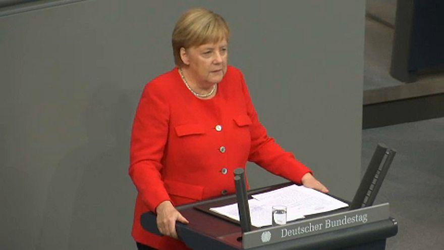Merkel a gyűlölet és az erőszak ellen