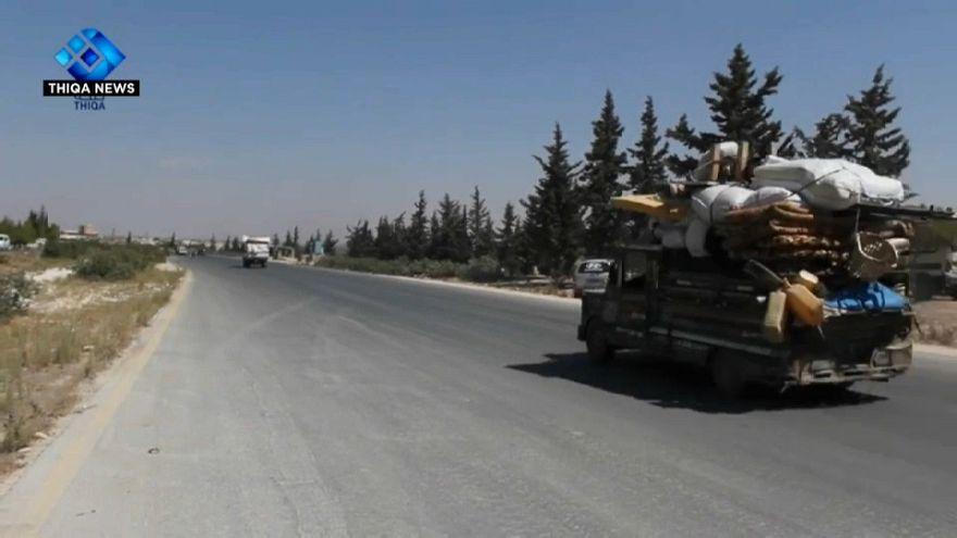 مدنيو إدلب يفرون إلى الحدود التركية وأزمة إنسانية مستمرة