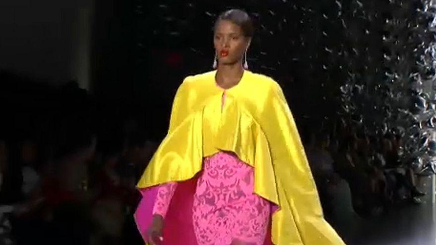 الربيع والنساء مصدرا إلهام لمصمم الأزياء الشهير نعيم خان