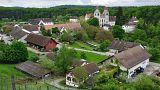 طرح پرداخت حقوق پایه ثابت در یک روستای سوئیس