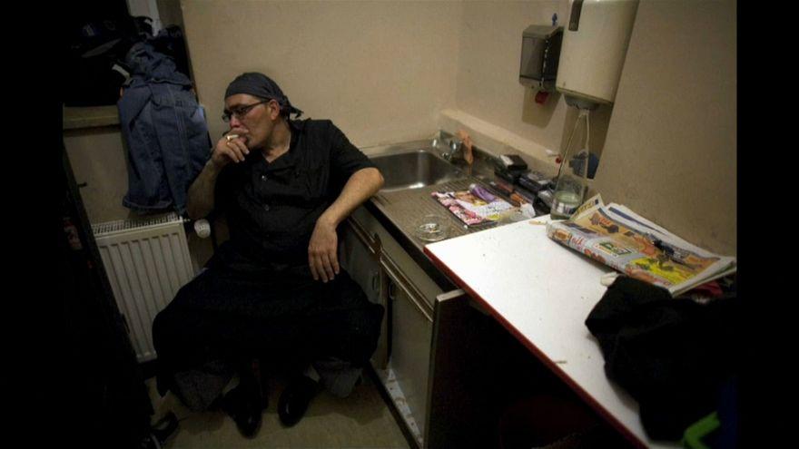 De ejecutivo a camarero por la crisis financiera