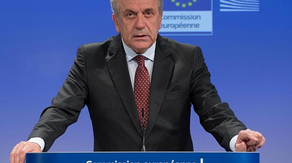 Δ. Αβραμόπουλος: «Μαζί με τις ελληνικές αρχές κρατήσαμε τη χώρα στο ευρώ και τη Σένγκεν»