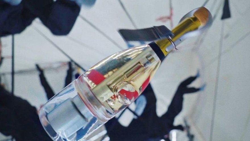 Uzaya gidecek turistler için özel hazırlandı: Uzay şampanyası