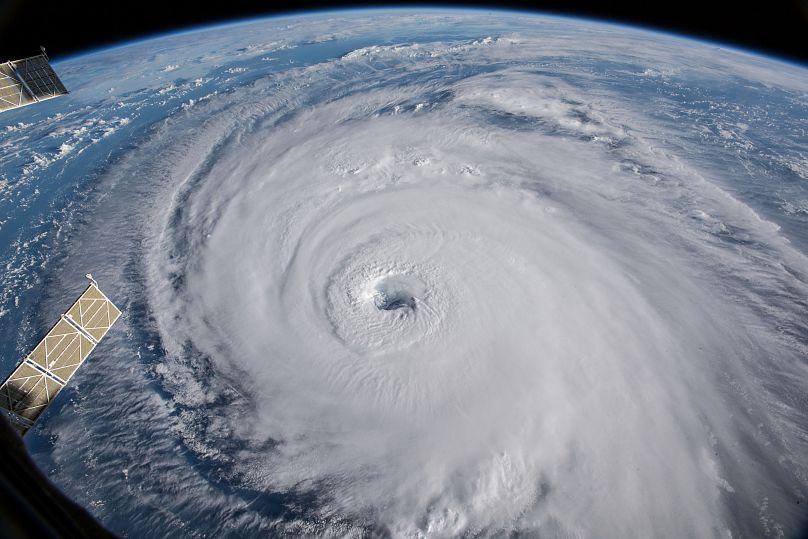 Florence toca tierra en EE.UU. como huracán de categoría 1 - Internacionales