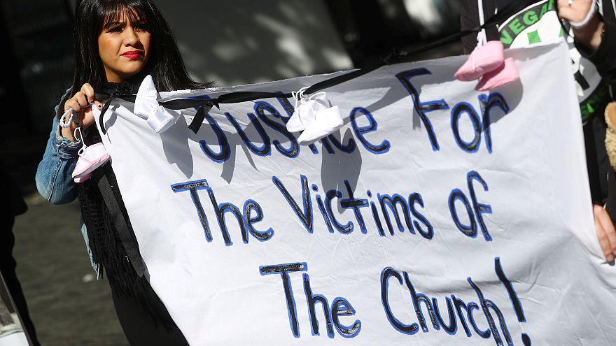 Protesta contra los abusos sexuales en la Iglesia católica en Dublín
