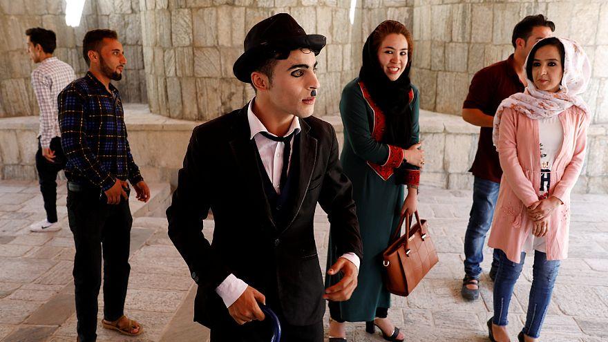 چارلی چاپلین افغانستان: ترس از مرگ جلوی کارم را نمیگیرد