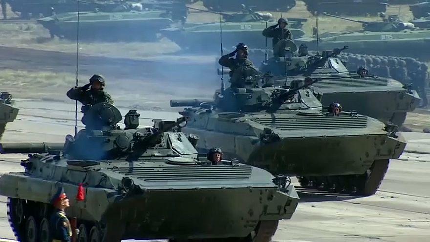 بوتين خلال حضوره مناورات فوستوك: روسيا دولة سلام ولا خطط عدوانية لدينا