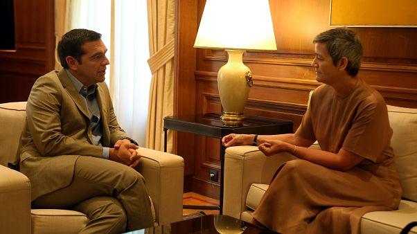 O πρωθυπουργός Α.Τσίπρας με την επίτροπο της ΕΕ Μαργκρέτε Βεστάγκερ