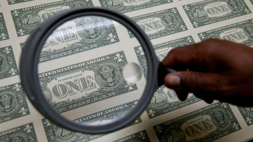 افزایش نرخ رسمی پوند و یورو در ایران