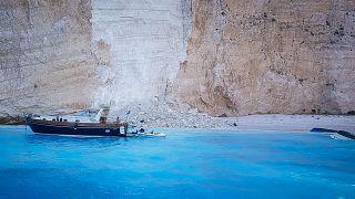 Grecia: a Zante crolla un pezzo di scogliera