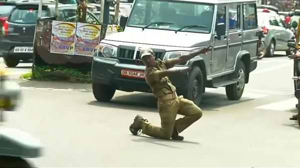 Watch: Indian traffic officer controls cars with dance moves