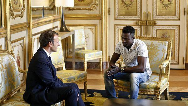 Hayat kurtaran göçmene Fransız vatandaşlığı verildi