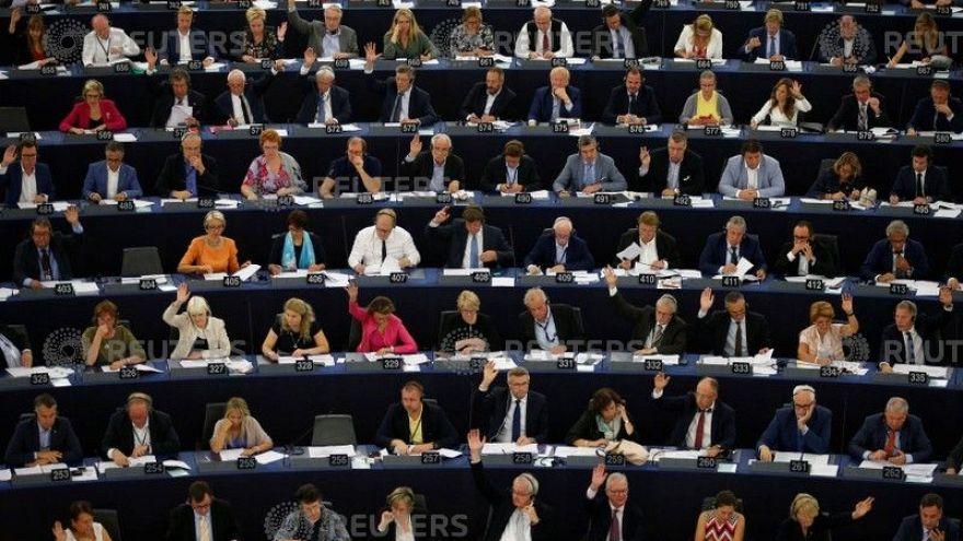 AP'den Kosova'ya vize serbestisi onayı