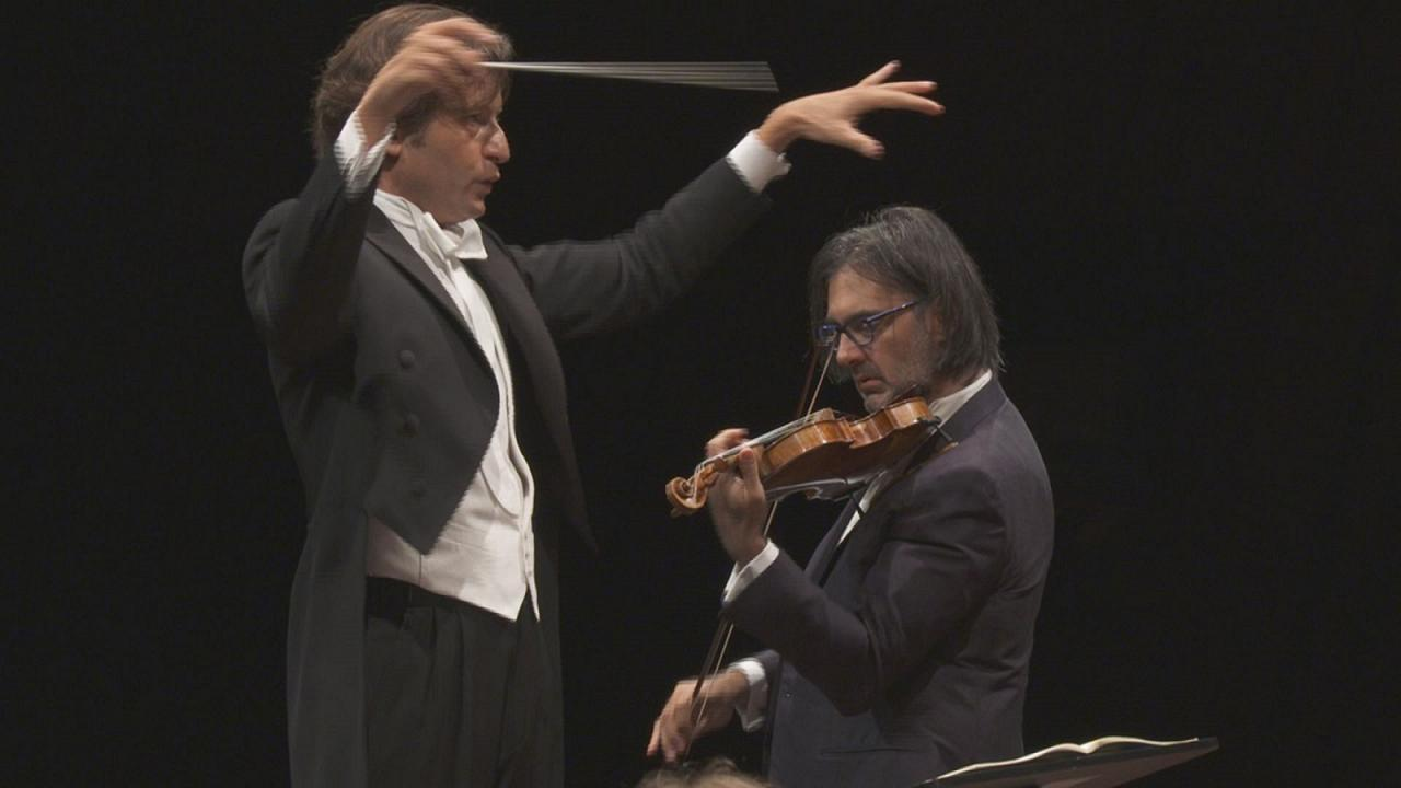Violin virtuoso Leonidas Kavakos electrifies with Stravinsky concerto