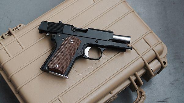تقرير : الأسلحة النارية تقتل وتجرح آلاف الأشخاص سنوياً في الولايات المتحدة