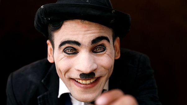 'Afgan Charlie Chaplin': Tehditlere rağmen halkımı güldürmek istiyorum