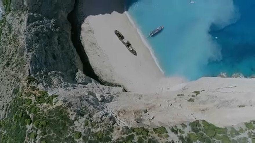 Sziklaomlás Zakinthosz leghíresebb strandján