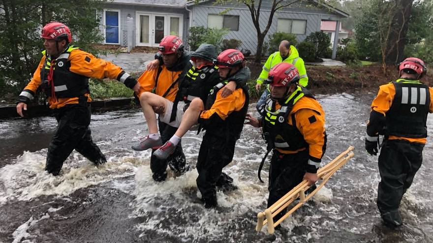 Flood waters rise, eight killed as Florence dumps 'epic' rain on Carolinas