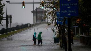 Pusztító volt a Florence hurrikán első napja