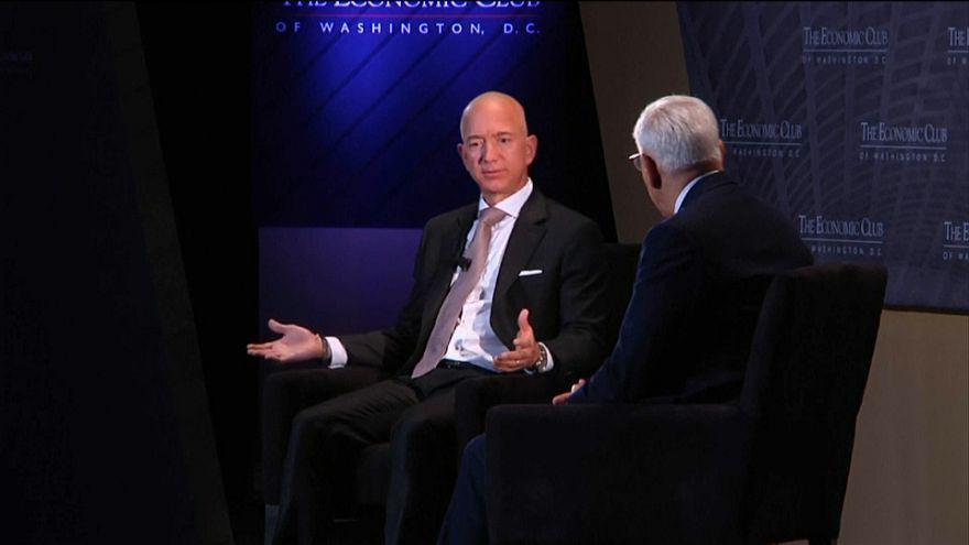 Основатель Amazon занялся благотворительностью