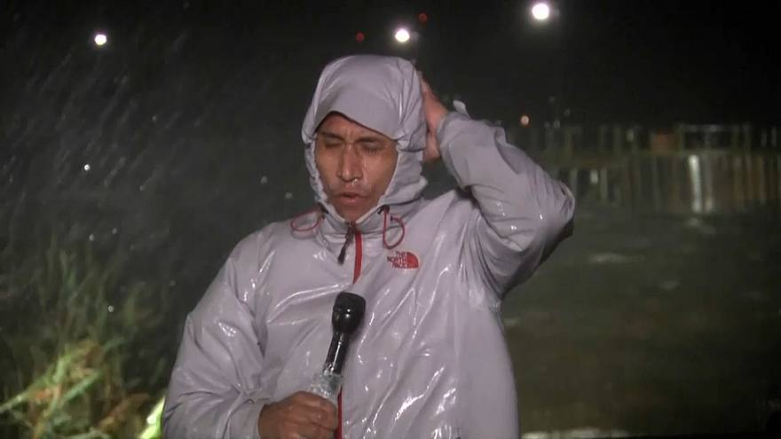 "Reporter berichtet live vom Hurrikan ""Florence"""