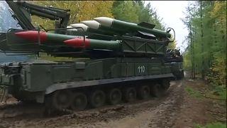 Rusia saca músculo militar en Siberia