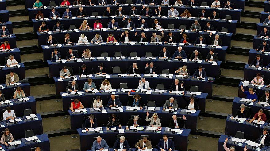 Áfacsökkentésre kötelezheti az EP Magyarországot is