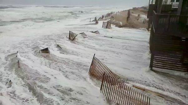 طوفان فلورانس با باران سیل آسا و باد شدید به سواحل شرقی آمریکا رسید