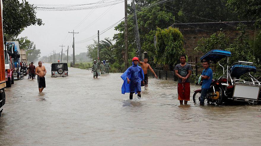 Le typhon Mangkhut frappe durement les Philippines