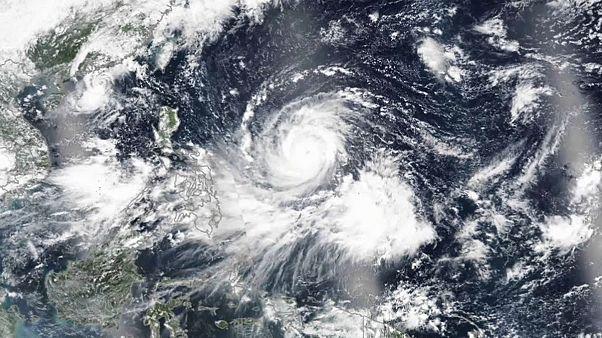 """Taifun """"Mangkhut"""": Schwere Regenfälle, Überschwemmungen und Erdrutsche"""