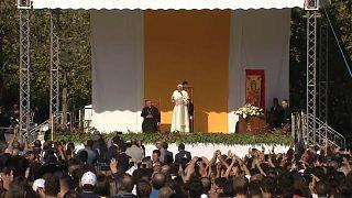 Папа римский приехал на Сицилию