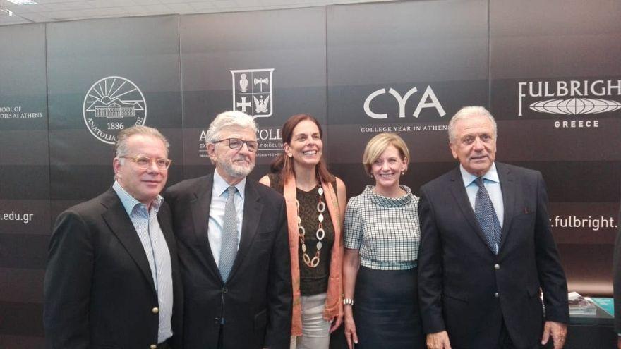 Δ. Αβραμόπουλος: «Η Ε.Ε. στο πλευρό της Ελλάδας»
