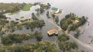 """Uragano """"Florence"""" declassato ma vittime e danni"""