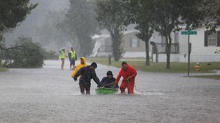 Trump, ABD'yi vuran Florence kasırgasını 'Büyük Felaket' ilan etti