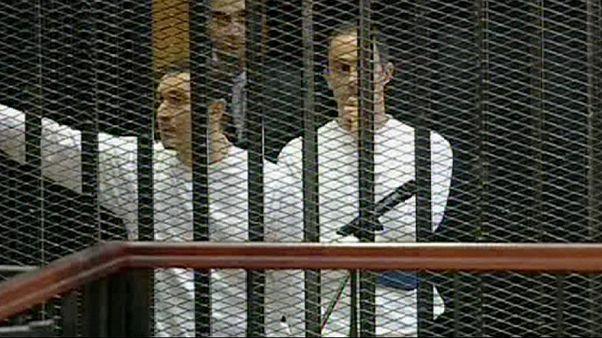 أول تعليق لعلاء مبارك إثر قبض السلطات المصرية عليه وعلى أخيه جمال