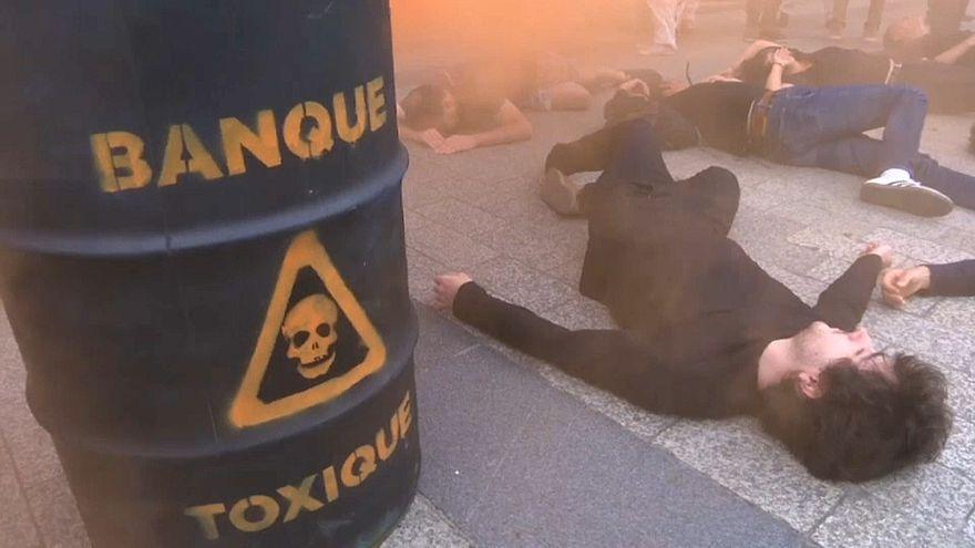 ATTAC protesta contra los responsables de la crisis financiera